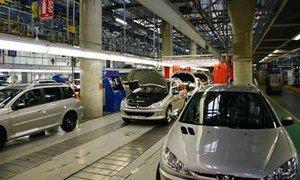 Peugeot Citroen собирается останавливать три европейских завода