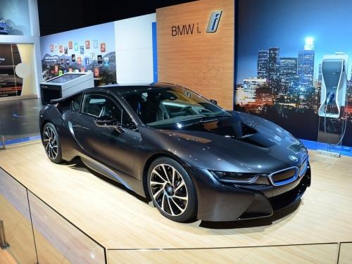 BMW удвоит производство гибридного спорткара i8