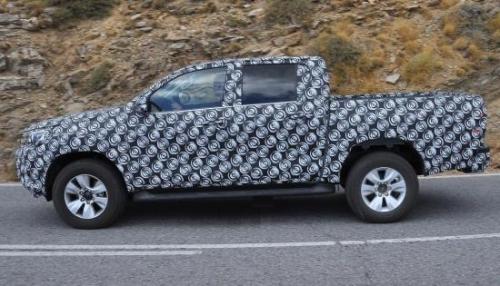 Опубликованы снимки обновленного пикапа Toyota Hilux