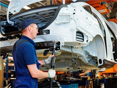 Российские автозаводы постепенно возобновляют производство после праздников
