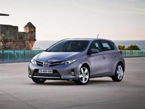В России прекращены продажи трех моделей Toyota