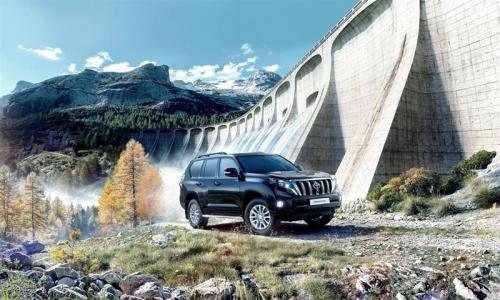 В Россию привезли «стильный» Land Cruiser Prado