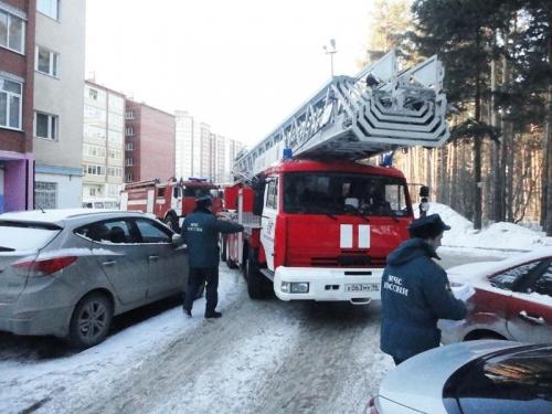 Пожарным и «скорым» разрешат таранить автомобили