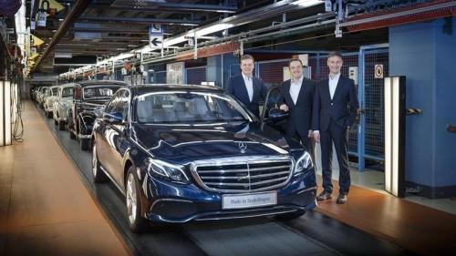 Российский завод Mercedes заработает в 2019 году