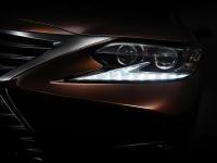 Lexus готовит к премьере обновленный седан ES
